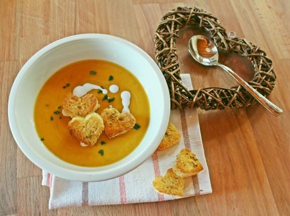 zuppa speziata con latte di cocco