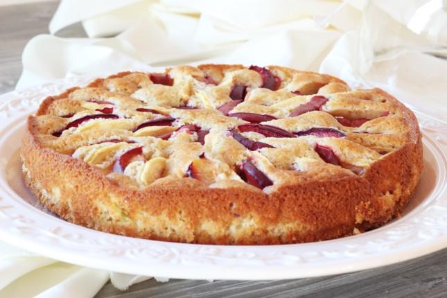 torta con mele e susine (2)