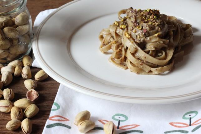 pasta con pesto tadicchio e pistacchi (1)