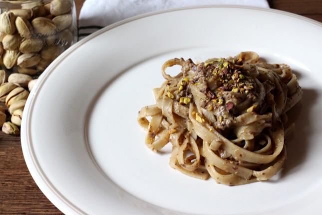 pasta con pesto tadicchio e pistacchi (2)