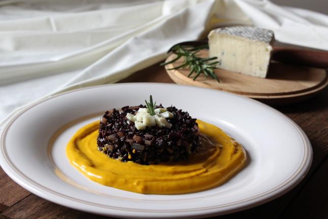 riso nero con rosmarino zucca e form erborinato (6)