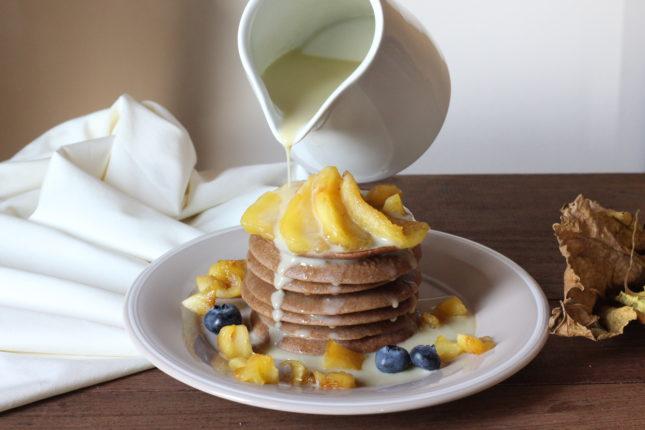 pancakes-alle-castagne-con-mele-e-salsa-alla-camomilla-8