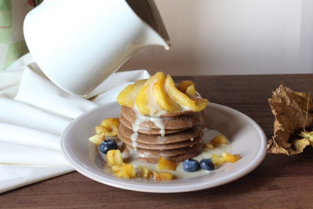pancakes-alle-castagne-con-mele-e-salsa-alla-camomilla-9